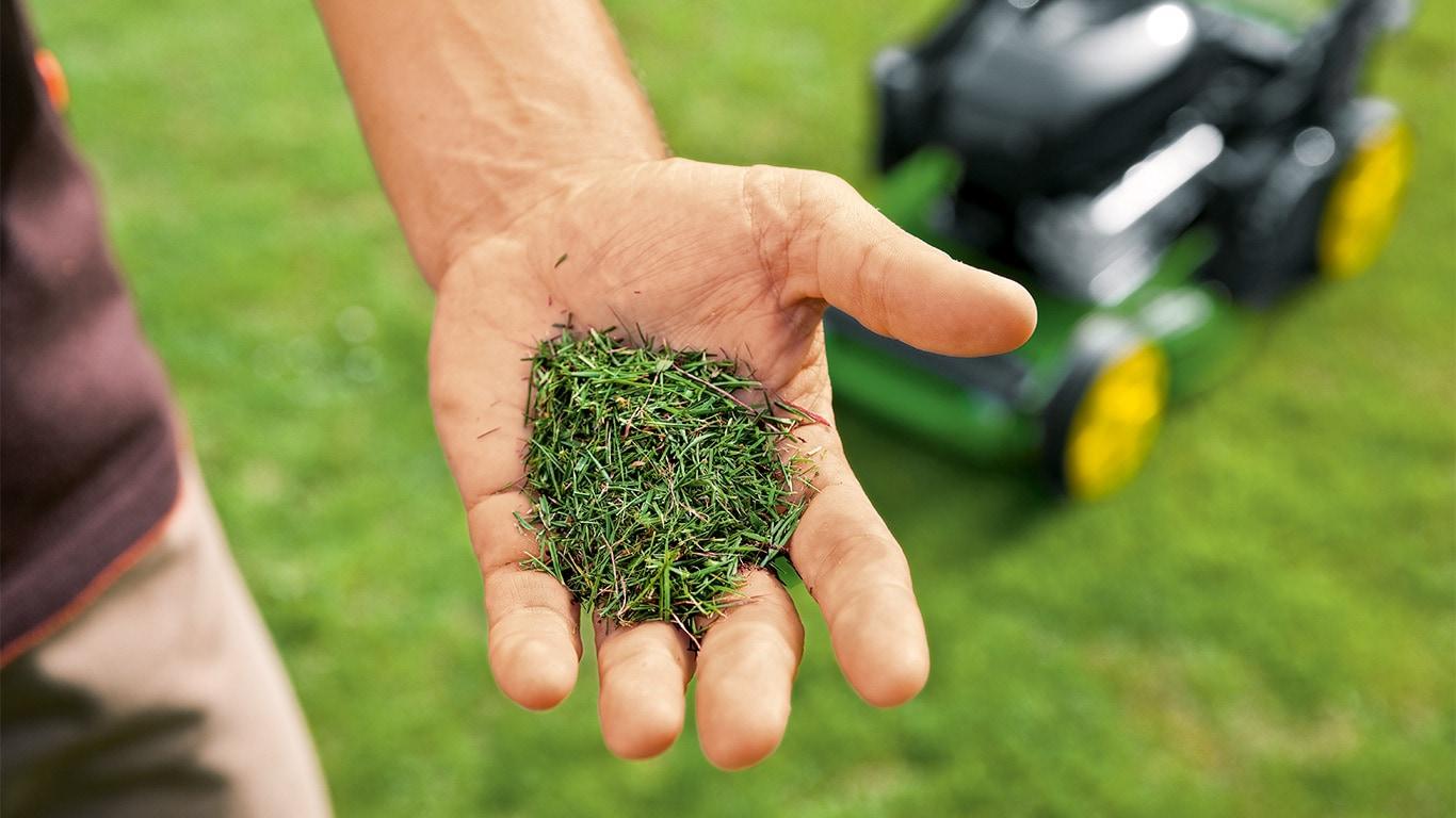 Naturdünger Der Mulchmäher führt Ihrem Rasen das zerkleinerte Schnittgut als stickstoffreichen Naturdünger wieder zu.