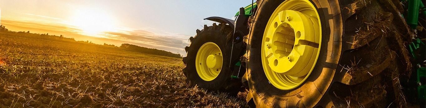 Anbaugeräte für Traktoren