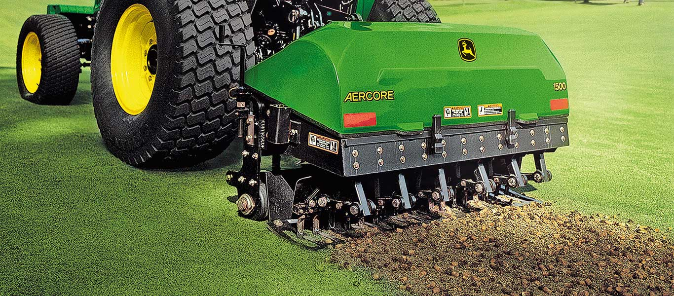 Aercore 1500, Aerifizierer, Feld, Golfplatz, Golf- und Sportplatzpflege