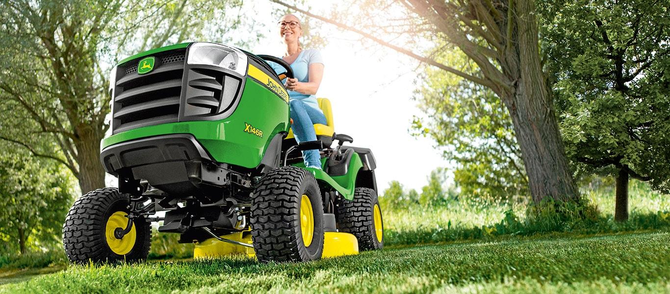X146R, Rasentraktoren, Aufsitz-Rasenpflegemaschinen, Serie X100