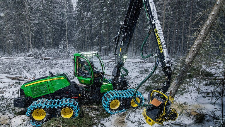 John Deere 1170G im Winter